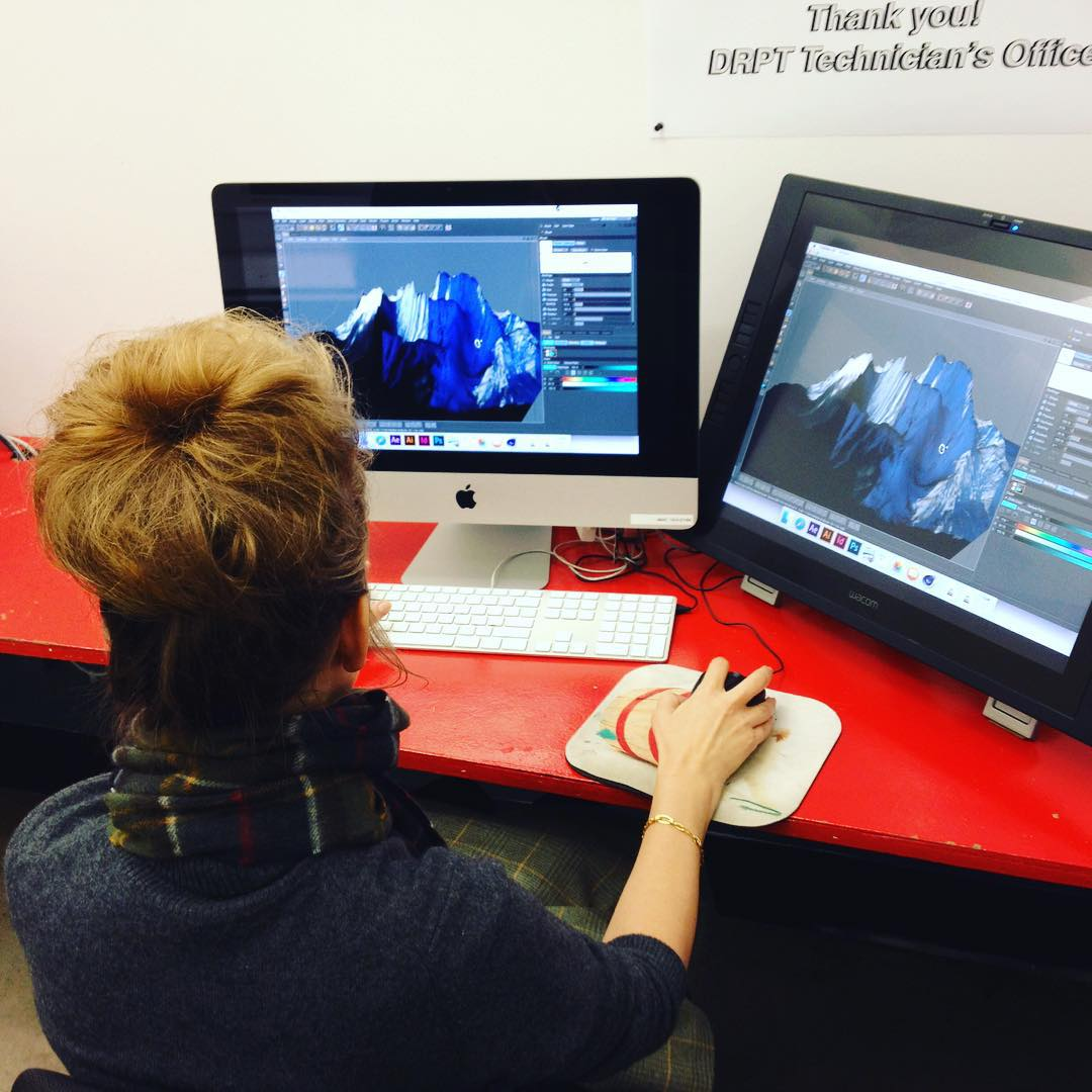 16 / 95Bun running the 3D software like Alex McLeod at OCADU, Oct 2015