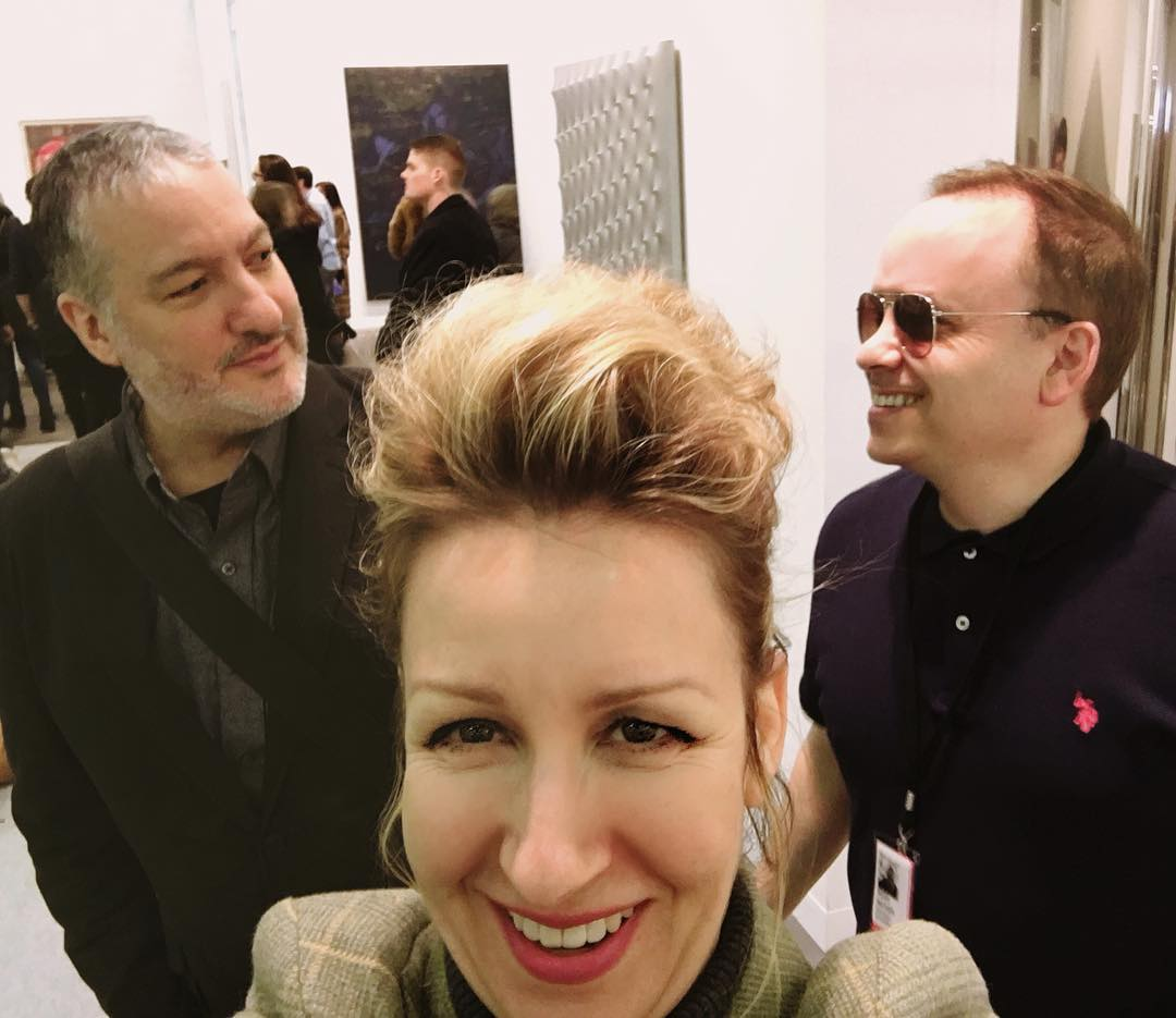 Thanks to @noahbeckerstudio for introducing me to Spencer Tunick @spencertunick American photographer best known for organizing large-scale nude shoots. I'm looking so happy almost losing my cool here #spencertunick #nyc #armoryshow #armoryweek